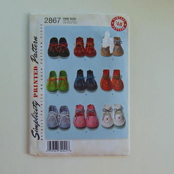 Simplicity Printed Pattern 2867 Infant Baby Booties UNCUT