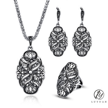 Indian Wedding Jewelry Sets For Women Antique Silver Color Hollow Black Crystal Flower Pendant Necklace And Earrings Set Vintage