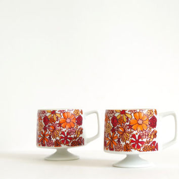 vintage coffee cups // red floral coffee cup set / pedestal coffee cups / Holt Howard cups // mid century coffee cups / white footed mug set