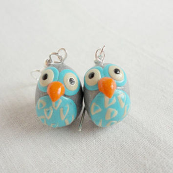 Owl earrings with grey and turqoise colors by NellinShoppi on Etsy