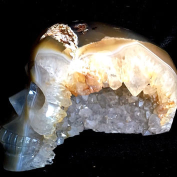 """LARGE 5"""" AGATE Carved Crystal Skull,Very Realistic, W/Deep Sparkling Geode 1125g"""