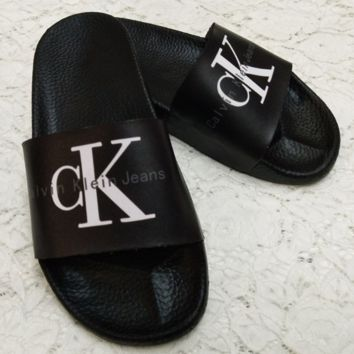 CK Calvin Klein 2018 New Classic Lettering Lady Summer Light Sandals F0346-1