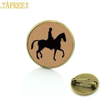 TAFREE Brand vintage Horseback Riding brooches love horse charms Equestrian sports events gift badge jewelry for men women SP514