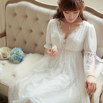 Womens Vintage Luxury Soft Lace Elegant Noble Long Nightdress Ladies White Long Sleeve V-Neck Nightgowns Sleeping Home Dress