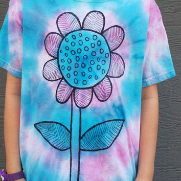 Girls Flower Tshirt, Custom Tie Dye Flower Tshirt for Girls, Girls Tie Dye Shirt, Flower Child, Hippie Girls, Flower Birthday, Boho Girls