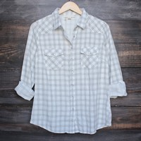 vintage affair soft button up womens plaid flannel long sleeve shirt - ivory/grey