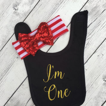 i'm one First birthday bibs cake smash outfit 1st birthday bibs cute baby bibs 1st birthday bibs cake smash photo props gold pink