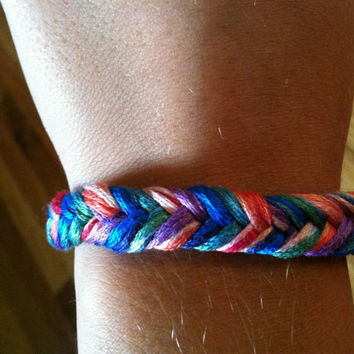 Multicolor String Fishtail Bracelet