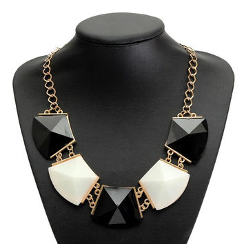 Black White Geometric Acrylic Pendant Statement Necklace Women Jewelry