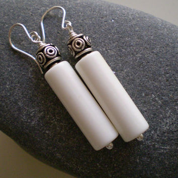 Vintage White Beads & Bali Sterling Silver Earrings, White Earrings, OOAK, Sterling Silver Earrings, Bali Silver Earrings