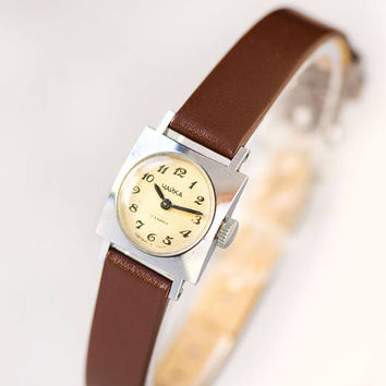 Delicate women watch square silver shade woman's watch Seagull rare design wristwatch very small Soviet girl watch new luxury leather strap