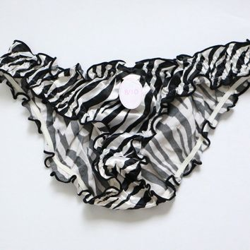 Women Chiffon Briefs Ladies Cute stripe panties Ruffles Underwear knickers S-L