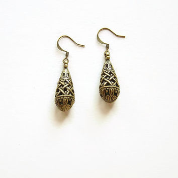 Gypsy drop earrings, Boho dangle earrings, Bronze teardrop indian earrings, Filigree earrings, Carved earrings vintage looking