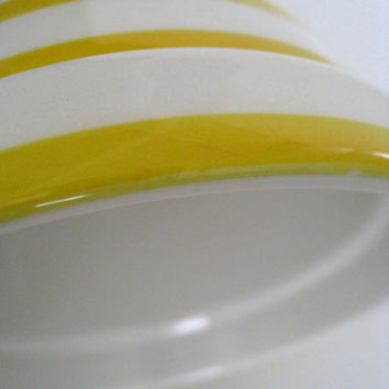 Crockery bowl with yellow and white stripes, 1.5 pints mixing bowl, no manufacturers mark