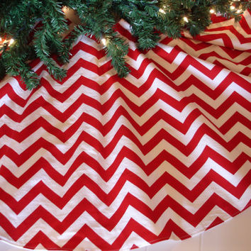 "Red Chevron Christmas Tree Skirt, Red and White Tree Skirt, Christmas, Modern Tree Skirt, 48"" Diameter"