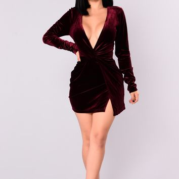 Knot My Cup Of Tea Velvet Dress - Burgundy