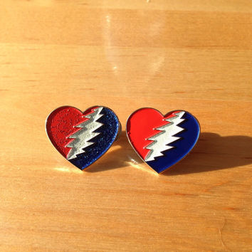 Grateful Dead love lapel pin + Glows in the dark
