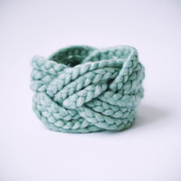 sea green wool & acrylic turk head knot bracelet by nanoutriko