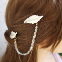 Pearl and Crystals Hair Piece, Leaf hair Piece, Gold Wedding Hair Pin, Forehead Chain Pearl Leaf Headpiece