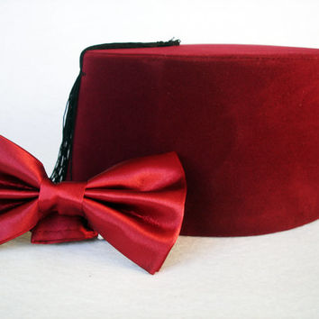 Doctor Who Fez And Bow Tie - Eleventh Doctor Matt Smith Fez - Doctor Who Bow Tie - 11. Doctor Burgundy Doctor Who Fez Bow Ties Are Cool