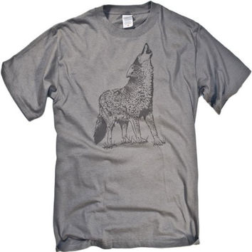 Gray Wolf Vintage-Style Tonal Animal Graphic T-shirt