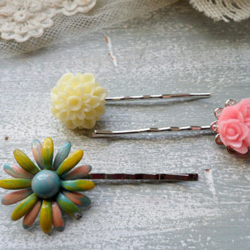 Spring Bouquet Flower Bobby Pins, Floral Bobbi Pin Set, Flower Hair Pin, Floral Hair Accessory