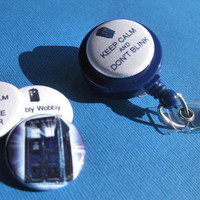 Magnetic Interchangeable Doctor WHO BADGE Reel set (blue) with clip- retractable - comes with 6 different toppers