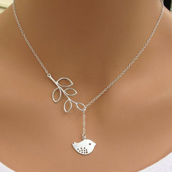 N605 Clavicle Necklace Women Fashion Jewelry Lucky Hollow Owl Leaf Pendant Chain Necklaces Tiny Jewelry For Wedding Engagement