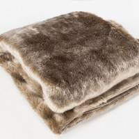 Innu Faux Fur Throw Blanket