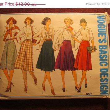 SALE Complete 1970's Vogue Basic Design Sewing Pattern, 1297! Waist 28/Small/Medium/Women's/Misses/Pleated Skirts/Flared Skirts/A-line Skirt