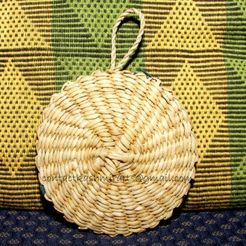 Free shipping/Fan clutch/Unique half moon Wooden Handwoven half circle/Pouch/wallet/Coin Purse/4 inches/Round purse/wicker/natural/7 inches