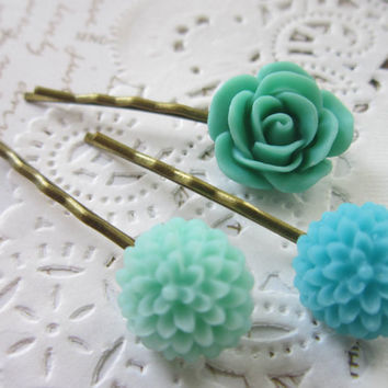 Vintage Flower Cameo Hair Pins -  Mint & Blue Cabochon Bobby Pins Clips