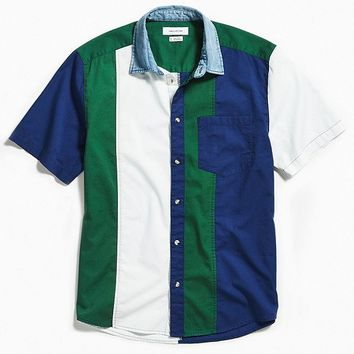 UO Colorblocked Denim Collar Short Sleeve Button-Down Shirt   Urban Outfitters