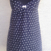 Sleepwear/ lingerie/ women's nightie/ babydoll in medium. Thigh-length. Black background with little white flowers. Alfani