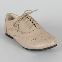 Nikki-01 Perforated Oxford Flat