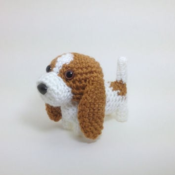 Basset Hound Crochet Dog Stuffed Animal Puppy Handmade Amigurumi Doggie Plush Doll / Made to Order