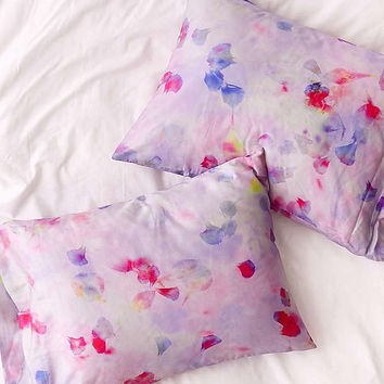 Allover Petals Pillowcase Set | Urban Outfitters