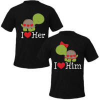 i love him i love her turtle Couple Tshirts