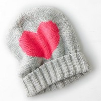 AEO Women's Intarsia Heart Beanie (Light Heather Grey)