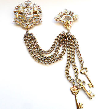 Providentiae Memor Crest Chatelaine Vintage Keys Shield Remember Providence Saxony Germany Lion Chain Charm Coat of Arms Insignia Heraldic