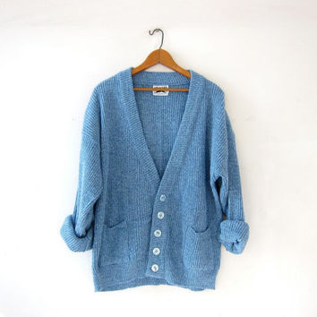 Vintage blue cardigan sweater. Boyfriend sweater. Slouchy knit grandpa cardigan. Loose knit sweater. Pockets.
