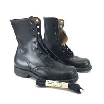 Size 7 or 8 W - Women's NOS Combat Military Boots Black Leather Standard Issue