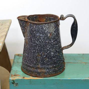 Old Graniteware Coffee Pot Rusty and Dented * Vintage Enamelware Coffeepot * Reuse Rustic Flower Vase Wedding * Shabby Cabin Decor