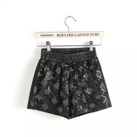 Black Patterned Drawstring Waist Shorts With Pockets