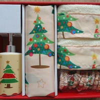 O' Christmas Tree 16 Piece Shower Curtain Set w/ hooks, lotion pump and 2 hand towels
