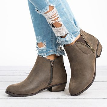 Exposed Zipper Brown Booties