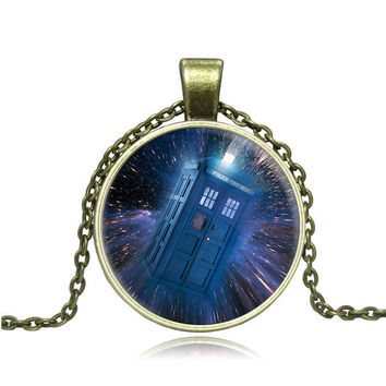 Doctor Who Tardis Space Necklace Doctor Who Police Box Jewelry Glass Cabochon Dome Pendant Y006