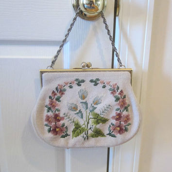 Vintage Purse Petit Point Pink Floral Bag , Vintage Bag with Comb & Coin Purse , Vintage Needlepoint Purse Chain Strap , Vintage 50s Handbag