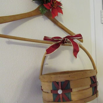 Vintage Woven Basket With Red and Green Inserts - Added Blink and Red Bow With Gold Trim