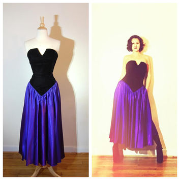 80s Prom Dress Dark Princess Gown Black Strapless Velvet Bust Purple Full Skirt with Big Bow in Back size 8